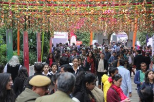 Visitors arrive at the ZEE Jaipur Literature Festival (1)