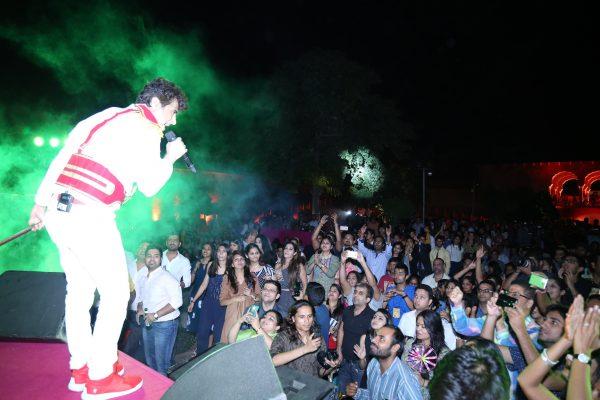 Lead singer of Euphoria, Palash Sen at his best