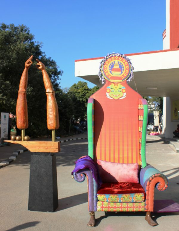 kathakali-konnection-throne-chair