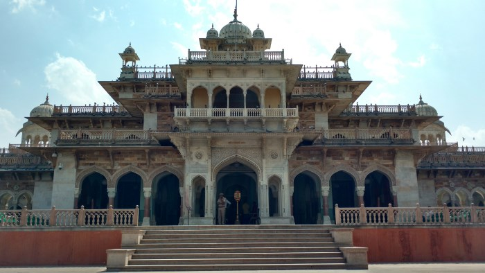 albert-hall-jaipur-tourism
