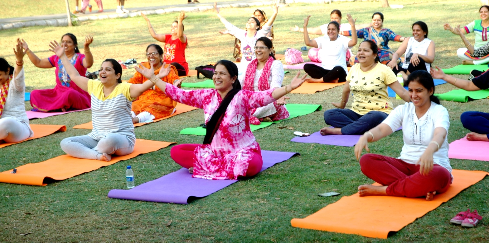 Jaipur mothers get treated to a free yoga session on Mothers' Day
