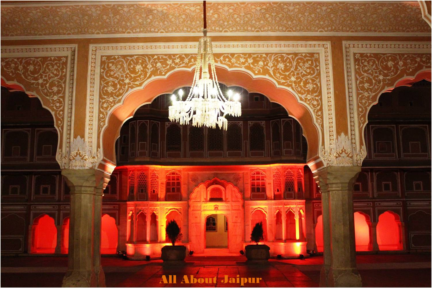 Here's why City Palace Jaipur is the Ultimate Destination for Night Tourism