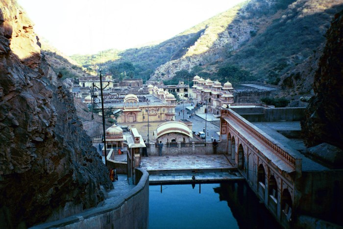 galtaji-places-to-visit-in-jaipur