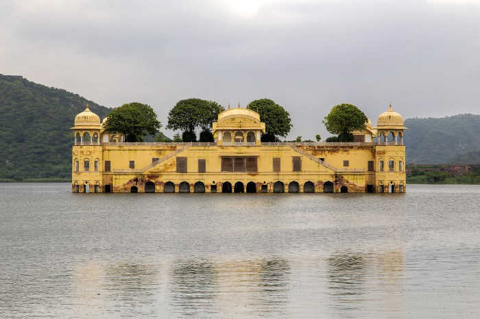 jal-mahal-jaipur-places-to-see