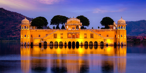 6 Cool Places in Jaipur Where You Can Hang Out For Under 100 Bucks